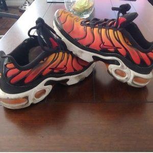 Nike airmax Black/Pimento/Bright Ceramic/Resin